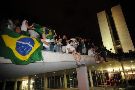 Walking and protesting in Brasília